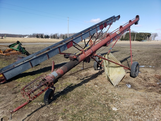 Hutchison 8x30 transport pto loading auger