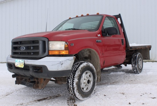 2001 Ford F-250 Red 4x4 pickup w/reg. cab, 5.3L V-8, auto., flatbed, selling w/Meyers snow plow, 85K