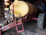 Century trailing sprayer w/1000 gal. tank and 60' hyd. folding booms, foam markers, and Ravens 440 C