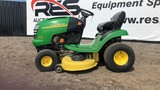 John Deere L110 Riding Lawn Mower