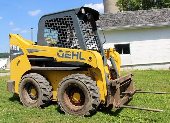 Gehl R190 skid steer loader (2 speed – auto attach – 4500 hrs.