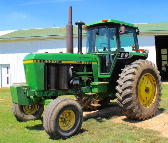 1978 JD 4440 D. 2WD tractor  8142 hrs