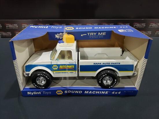 Nylint Napa Truck-in box