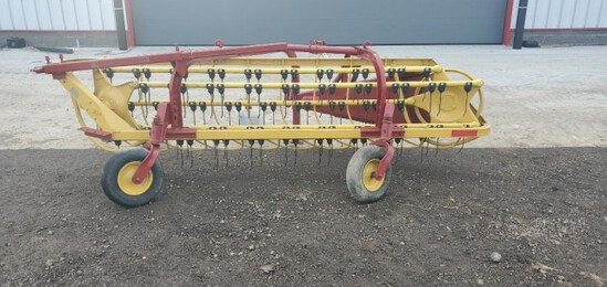 """ABSOLUTE"" New Holland 3pt Rol-a-bar Rake"