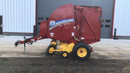 """ABSOLUTE"" 2014 New Holland 450 Round Baler"