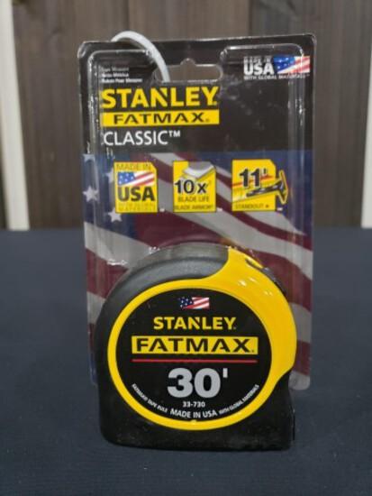"""ABSOLUTE"" Dewalt 30' FatMax Tape"