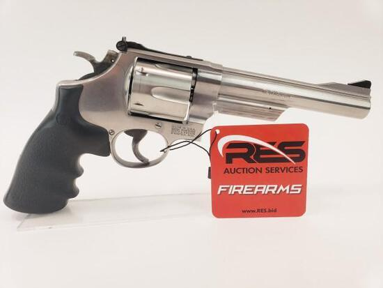 Smith & Wesson 657 41 Mag Double Action Revolver