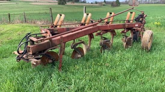 International Harvester 720 4x18 SAR Plow