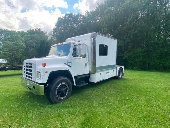 '84 International S1900 single axle truck