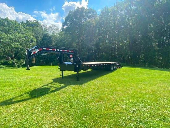 Like new '16 PJ 30' Gooseneck flatbed trailer