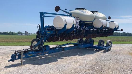 Kinze 3660 ASD 16R30 Corn Planter