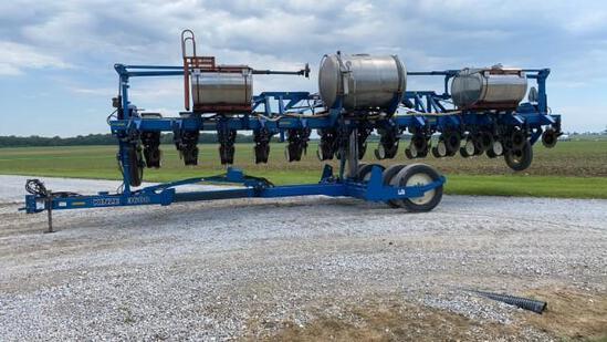 Kinze 3600 12R30 Corn Planter