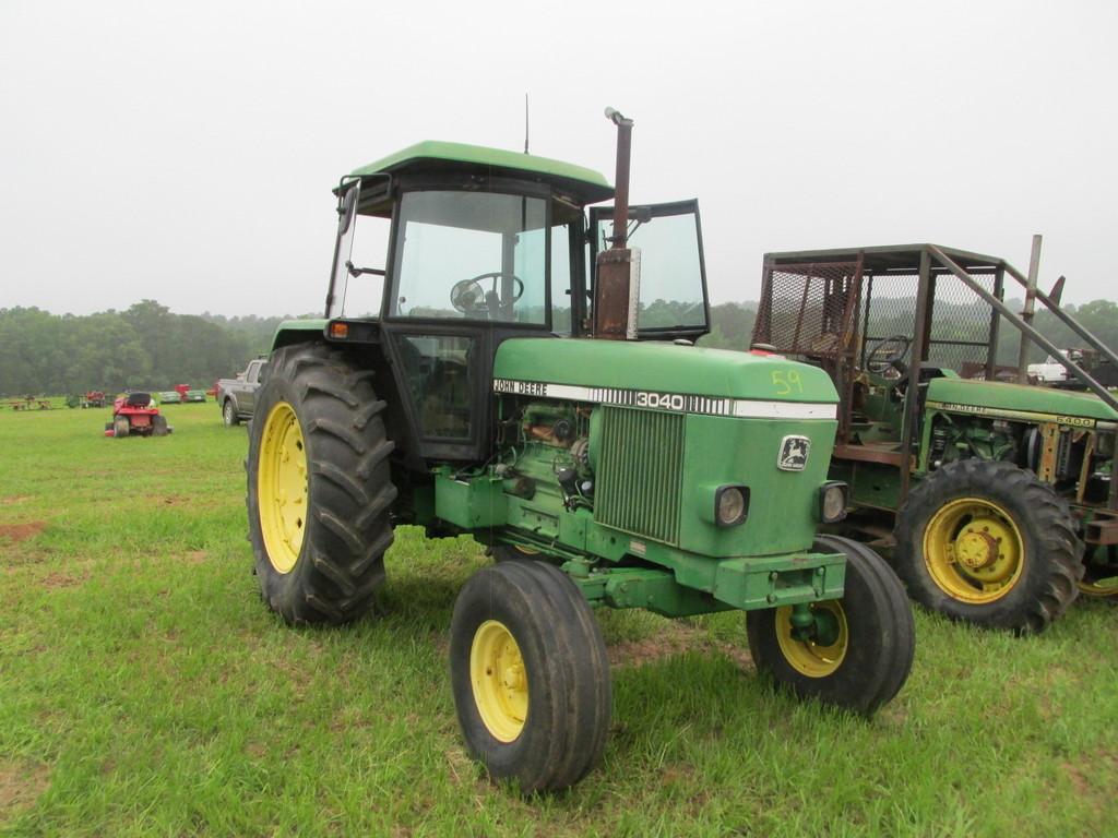 John Deere Tractor 3040