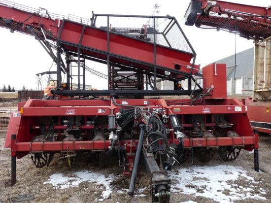 """Amity/Wic #R-988 8 Row 22"""" Beet Harvester"""