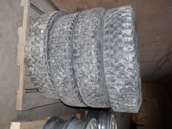 285/70R 24.5 Low Pro Trailer Tires