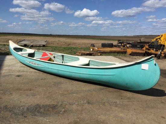 18' Fiberglass Canoe