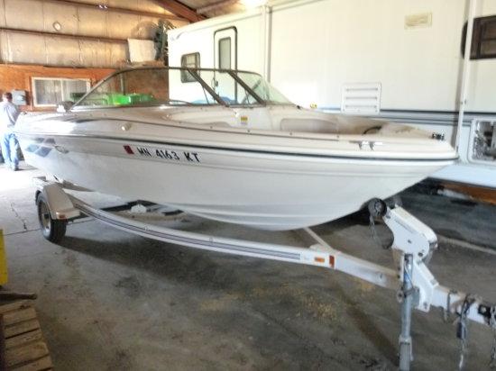 2000 Sea Ray 180 18' Fiberglass Boat