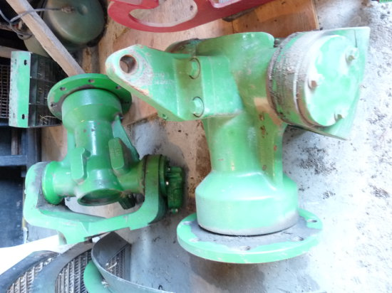 Factory Rear Axles & Hubs for 680 Combine