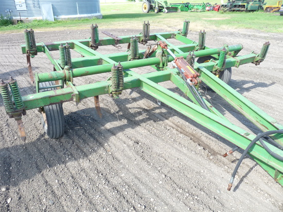 John Deere 100 12' Chisel Plow
