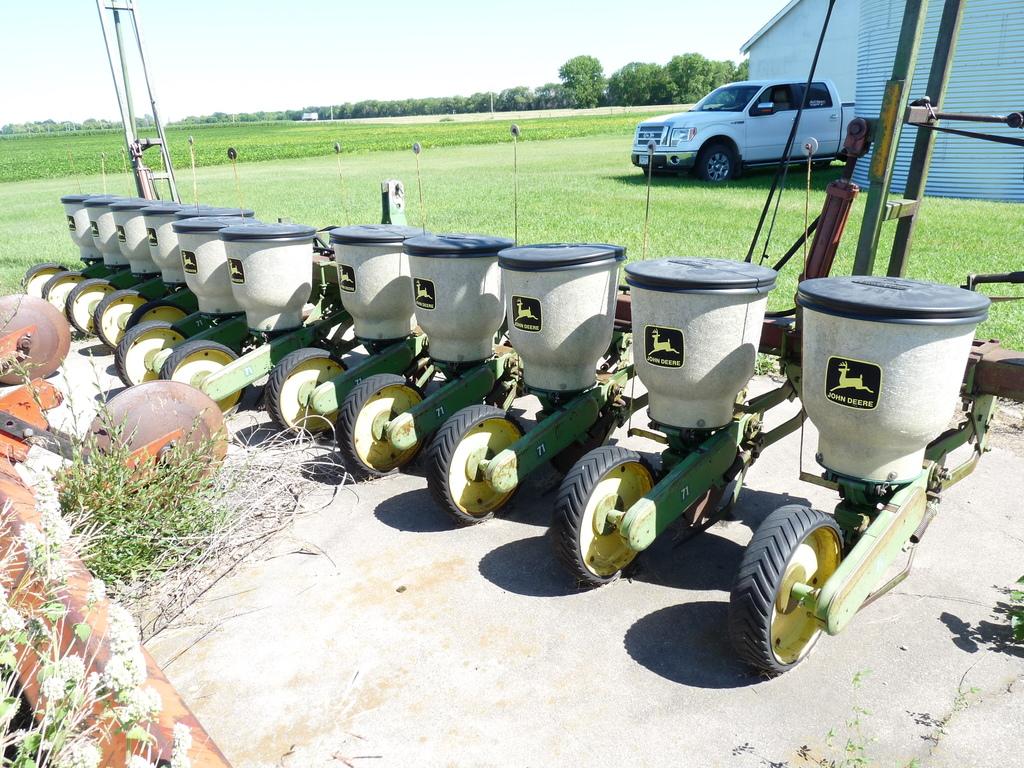 Lot John Deere 71 Flex Planter Proxibid Auctions