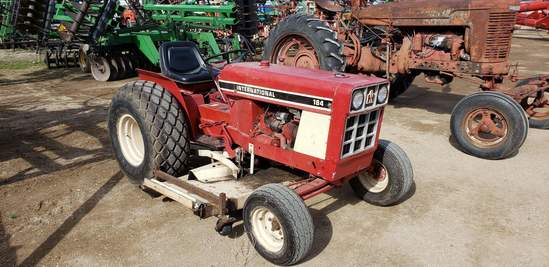 IH 184 Utility Tractor