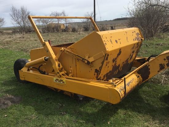 Midland 6-8 Yd. Dump Scraper