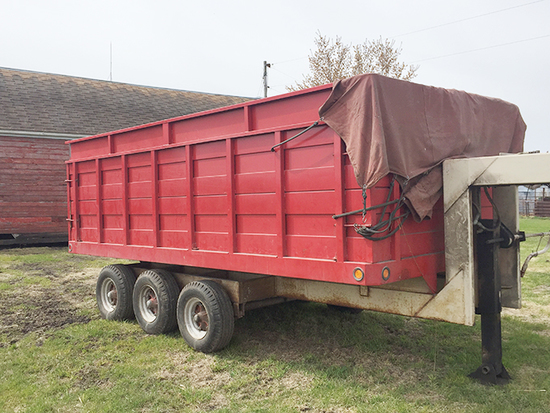 Tri-Axle Gooseneck Trailer w/16' Box & Hoist