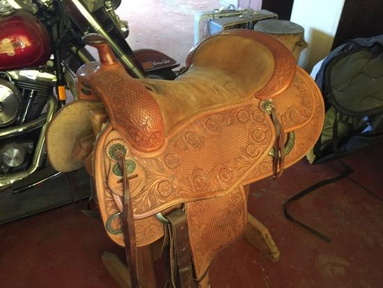 Bob Avila Western Saddle