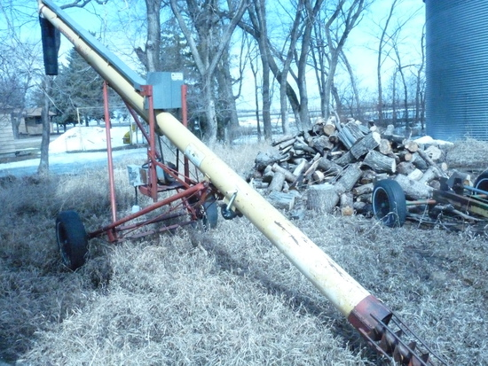 Westfield 8x35' Auger with Electric Motor