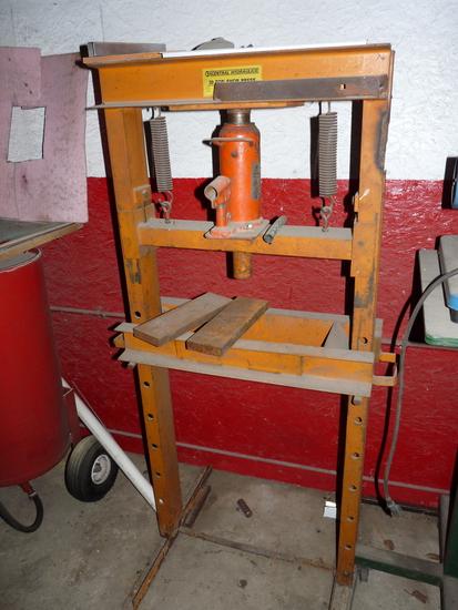 22 Ton Hydraulic Press
