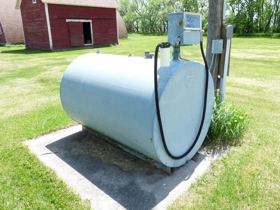 550 Gallon Fuel Tank with 110V Pump