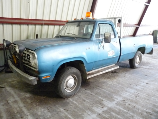 1975 Dodge 100 Pickup