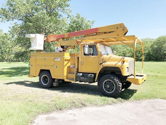 IH S-1800 Bucket Truck