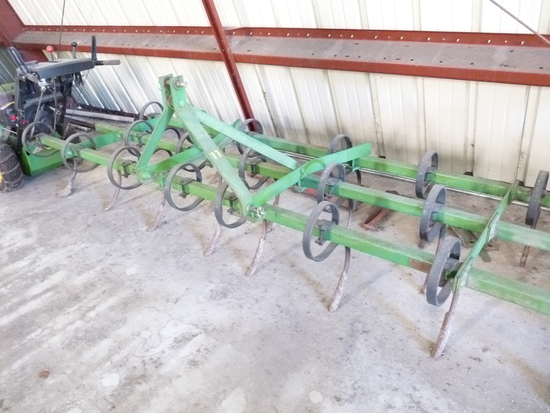 John Deere 11 10' 3pt Cultivator
