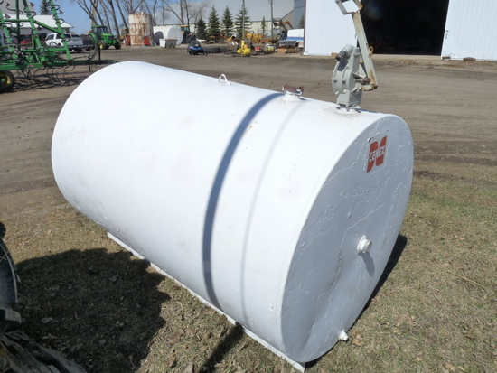 500 gallon fuel tank with a hand pump