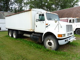 '94 IH 2300 Twin Screw Tandem Truck