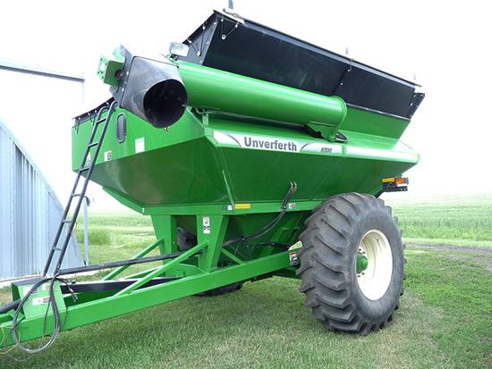 Unverferth 6500 Grain Cart with Roll Tarp