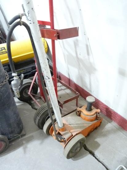 Air/Hydraulic Floor Jack