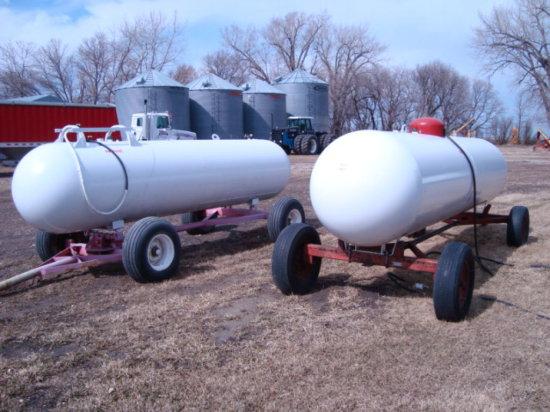 1,000 Gallon LP Tank on 4 wheel Trailer