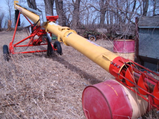 Westfield TF 10-31' Load Out Auger