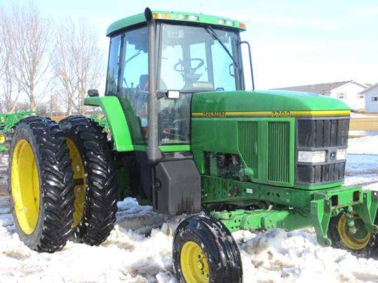 '93 JD 7700 2 Wheel Drive Tractor