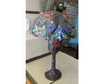 Tiffany Style Floral Lamp.