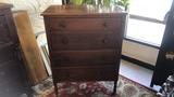 Antique Dresser 4 Darwers