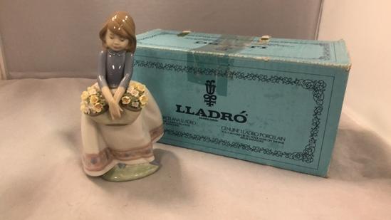 "Lladro Figurine ""May Flowers"""