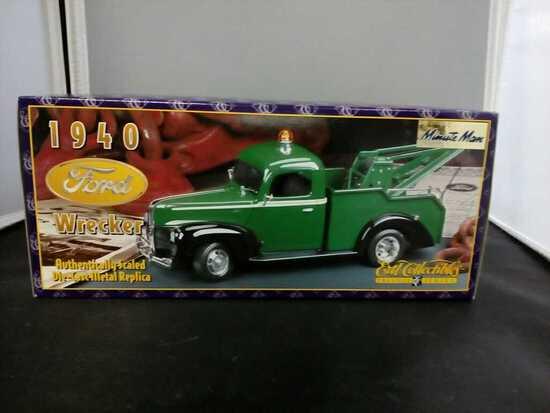 1940 Ford Wrecker Die-Cast Replica.