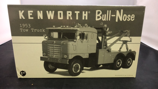 1953 Kenworth Bull-Nose Tow Truck