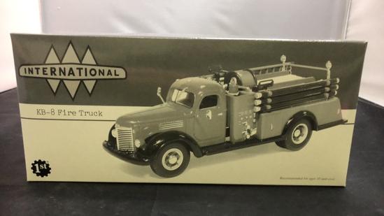 1949 Internation KB-8 Fire Truck Diec-Cast Replica.
