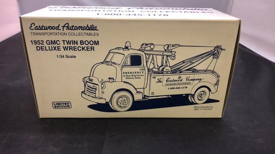 1952 GMC Twin Boom Deluxe Wrecker Die-Cast Replica.