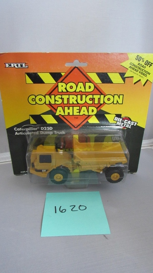 Caterpillar D25D Articulated Dump Truck, Die-Cast Replica.