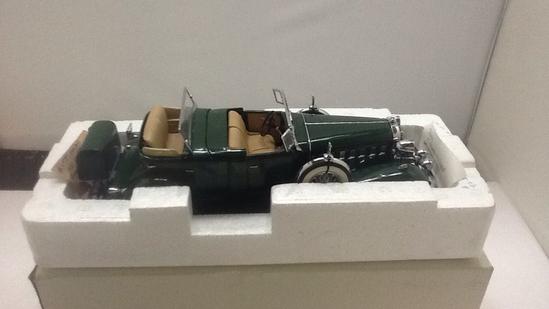 1932 Cadillac V-16 Sport Phaeton Die-Cast Replica.
